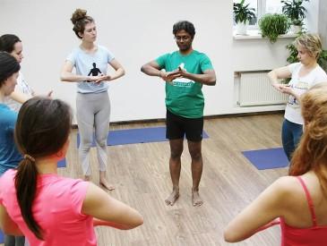 Йога-интенсив с доктором Рави Кумаром